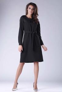 Czarna sukienka Nommo z okrągłym dekoltem z długim rękawem