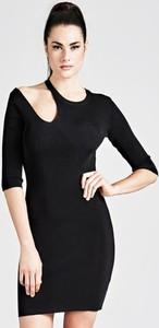 Czarna sukienka Guess w stylu casual z długim rękawem