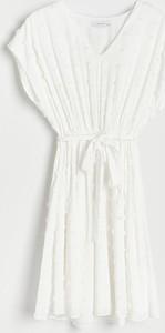 Sukienka Reserved trapezowa w stylu casual z dekoltem w kształcie litery v