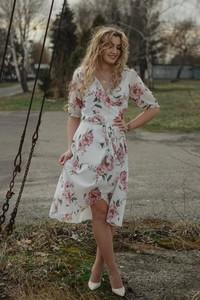 Sukienka Oscar Fashion midi z szyfonu