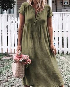 Zielona sukienka Kendallme z dekoltem w kształcie litery v maxi