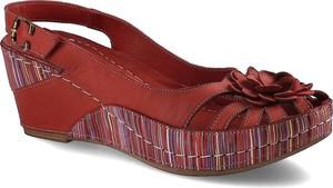 Sandały ARTIKER RELAKS w stylu casual na platformie z klamrami