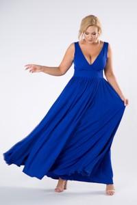 Niebieska sukienka candivia.pl z dekoltem w kształcie litery v kopertowa maxi