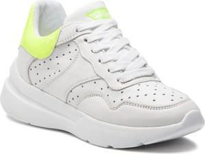 Buty sportowe Guess ze skóry ekologicznej w sportowym stylu sznurowane