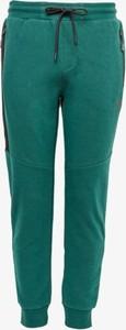 Zielone spodnie sportowe Umbro