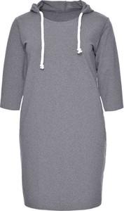 Sukienka modneduzerozmiary.pl w stylu casual z długim rękawem