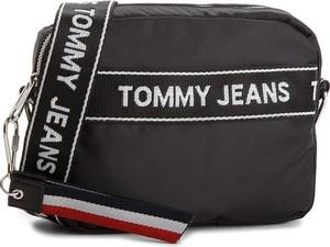 e6b2109ab582d Czarna torebka Tommy Jeans w sportowym stylu z kolorowym paskiem na ramię