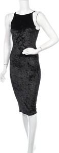 Czarna sukienka Joe & Elle bez rękawów z okrągłym dekoltem