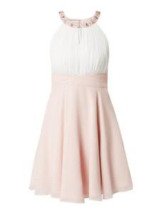 Różowa sukienka Jake*s Cocktail rozkloszowana