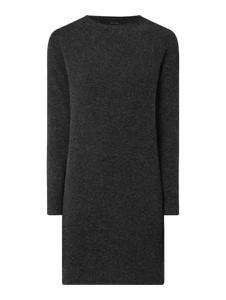 Czarna sukienka Vero Moda z dzianiny z okrągłym dekoltem z długim rękawem