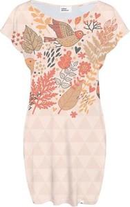 Sukienka COLOUR PLEASURE z krótkim rękawem w stylu casual