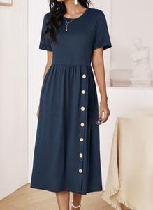 Niebieska sukienka Cikelly midi z krótkim rękawem