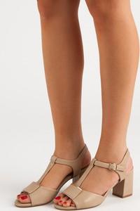 Sandały Czasnabuty na średnim obcasie z klamrami