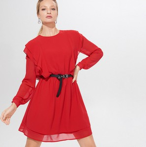 Czerwona sukienka Mohito z długim rękawem z okrągłym dekoltem z szyfonu