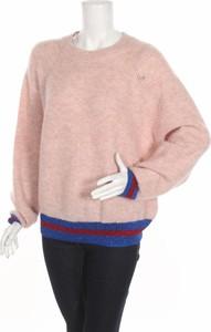 Różowy sweter Pieces w stylu casual