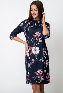 Granatowa sukienka QUIOSQUE z długim rękawem
