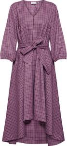 Fioletowa sukienka Gestuz z tkaniny w stylu casual