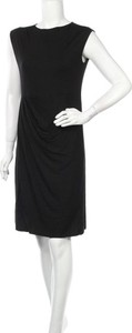 Czarna sukienka Tigha mini prosta