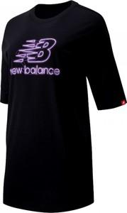 Bluzka New Balance w sportowym stylu z okrągłym dekoltem z bawełny