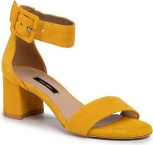 Żółte sandały Gino Rossi