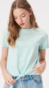 Niebieski t-shirt Sinsay z okrągłym dekoltem
