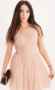 Różowa sukienka Butik Ecru rozkloszowana mini bez rękawów