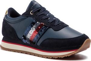Sneakersy Tommy Hilfiger na koturnie sznurowane