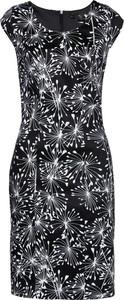 Czarna sukienka bonprix bpc selection ołówkowa z okrągłym dekoltem bez rękawów