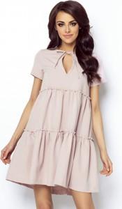 Różowa sukienka Ivon z krótkim rękawem