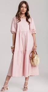 Różowa sukienka Renee maxi z krótkim rękawem z okrągłym dekoltem