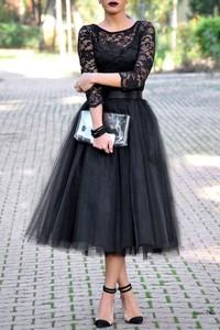 Czarna sukienka IVET.PL rozkloszowana z tiulu