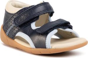 Granatowe buty dziecięce letnie Clarks na rzepy