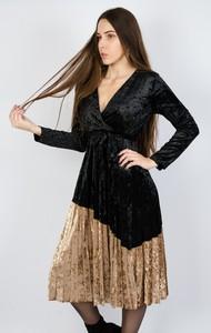 Sukienka Olika z dekoltem w kształcie litery v