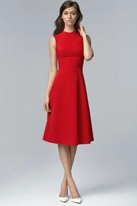 Czerwona sukienka NIFE rozkloszowana z okrągłym dekoltem z bawełny