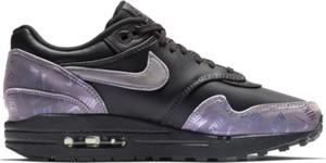 Buty sportowe Nike w street stylu sznurowane