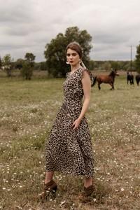 Sukienka Far Far Łódź bez rękawów midi