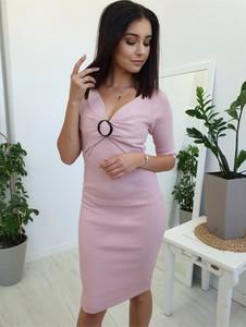 Różowa sukienka Ottanta z długim rękawem