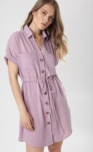 Fioletowa sukienka born2be z kołnierzykiem mini