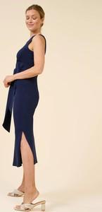 Niebieska sukienka ORSAY bez rękawów midi z dżerseju