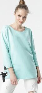 Zielona bluzka born2be z długim rękawem z okrągłym dekoltem