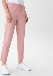 Różowe spodnie House