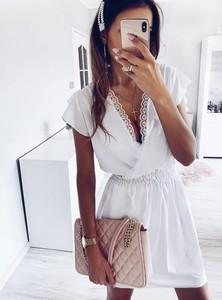 Sukienka Pakuten kopertowa z krótkim rękawem w stylu casual