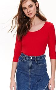 Czerwony t-shirt Top Secret z okrągłym dekoltem w stylu casual