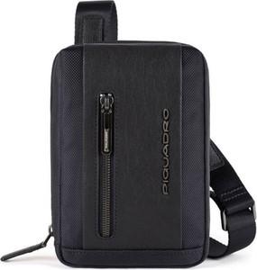 Czarna torebka PIQUADRO duża do ręki ze skóry