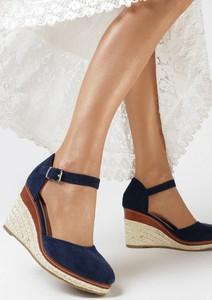 Granatowe sandały born2be