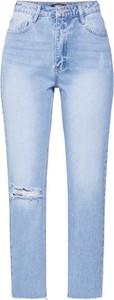 Jeansy Missguided z jeansu w street stylu