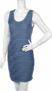 Niebieska sukienka Rachel Roy z okrągłym dekoltem na ramiączkach w stylu casual