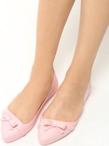 Różowe baleriny Multu w stylu casual z płaską podeszwą