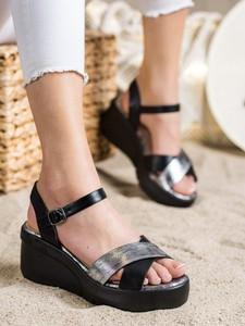 Czarne sandały Czasnabuty z klamrami