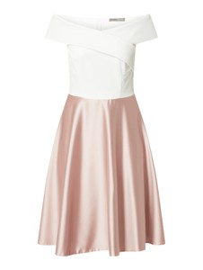 Sukienka Marie Blanc z krótkim rękawem